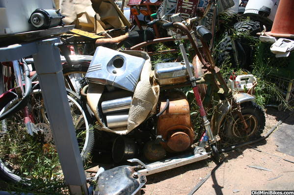 Mini Bike Junkyard : Check out what i found as possibly the largest motorcycle